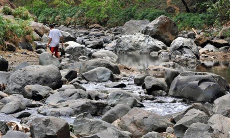 শুকিয়ে যাওয়া কাউকা নদী